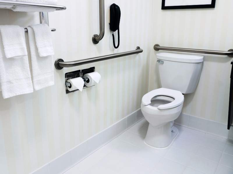 Bathroom design for elderly comfort and safety for How to make bathroom safe for elderly