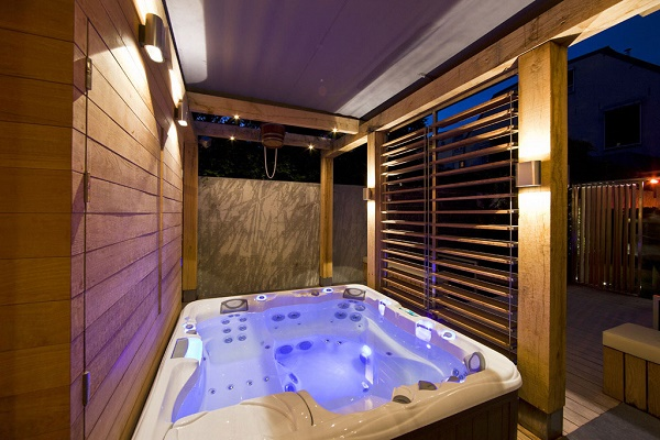 Modern Black Hot Tub Deck Ideas That Can Add The Elegant Nuance Inside Beauty House Design With Grey Floor It Has Gles